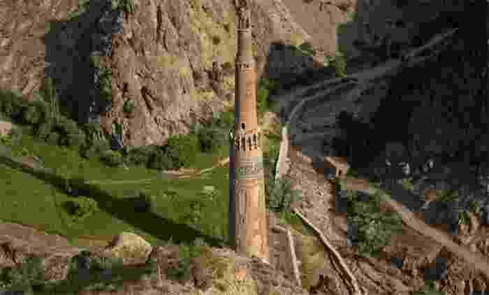 Minarete de Jam, en Shahrak, declarado Patrimonio de la Humanidad por la Unesco junto con los restos arqueológicos que lo rodean