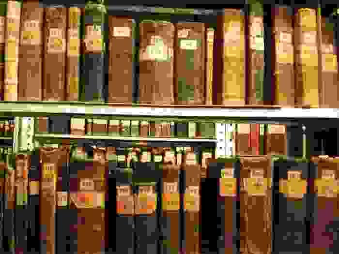 Libros antiguos de la biblioteca de Matenadaran