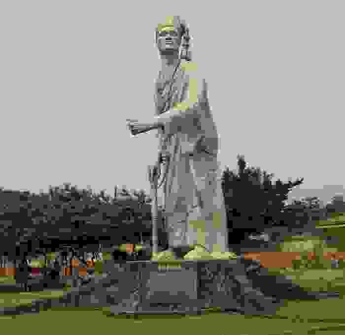 Escultura del Rey Toffa de Porto Novo