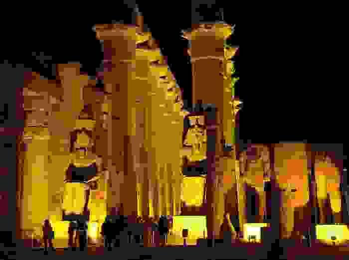Templo de Luxor, en las ruinas de la antigua ciudad de Tebas