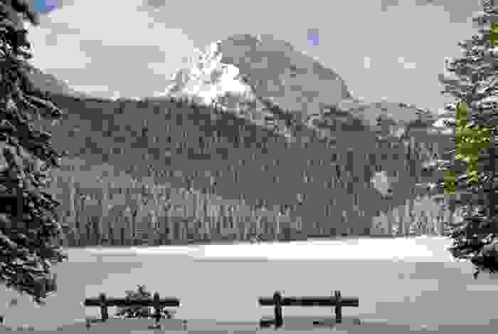 Lago Negro congelado en Durmitor