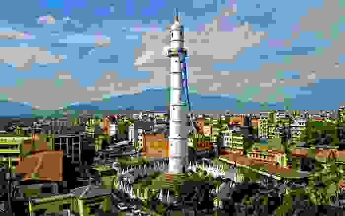 Torre Dharahara antes del terremoto de abril del 2015 en Nepal