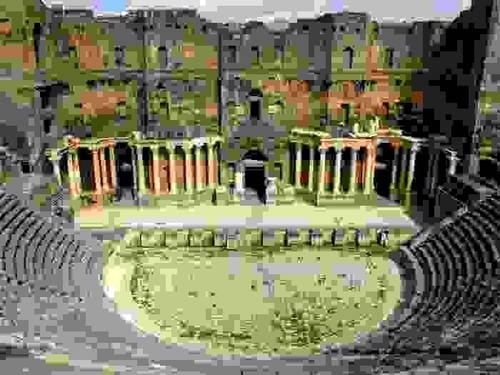 Anfiteatro de Bosra-Jorisz, construido en el siglo II