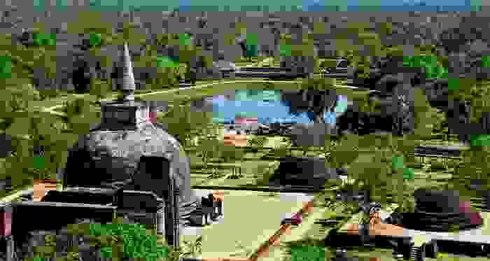 Ruinas de la antigua población de Polonnaruwa