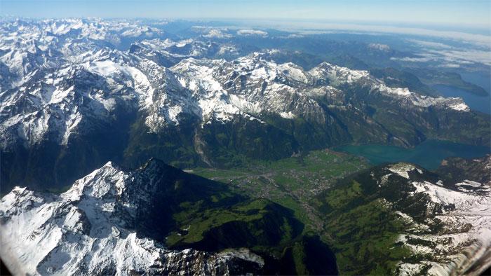 Relieve de los Alpes suizos