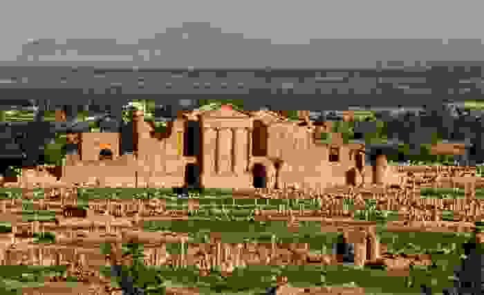 Ruinas del emplazamiento romano en la ciudad de Sbeitla
