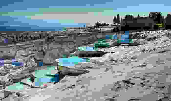 Pamukkale, formación natural de aguas termales en rocas calcáreas