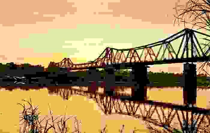 Puente Long Biên, en Hanoi, de 1680 metros de longitud