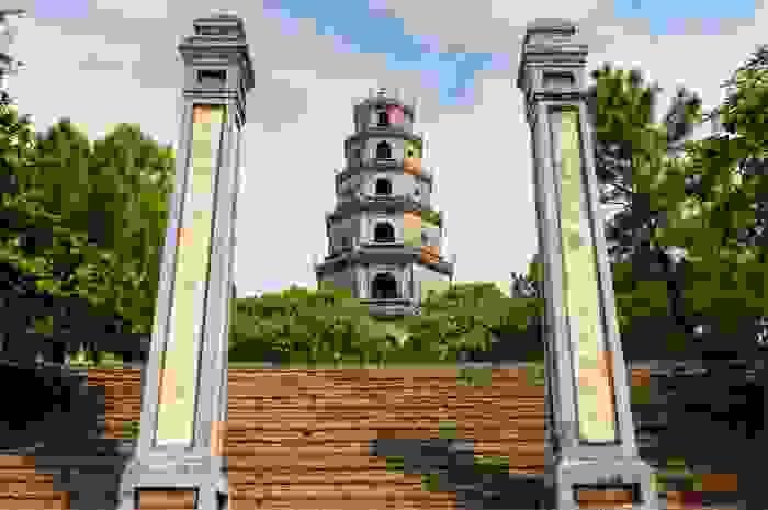 Templo de Thiên Mu Pagoda en la ciudad de Hue