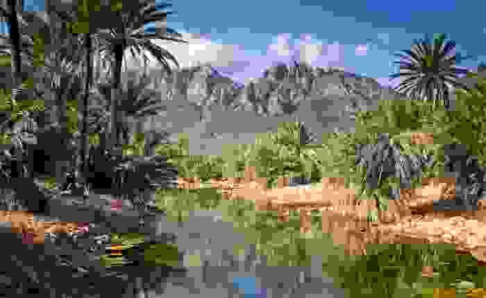 Paisaje de Socotra, con las montañas del Pico Skand al fondo